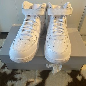 Brand New Air Force 1 Mid